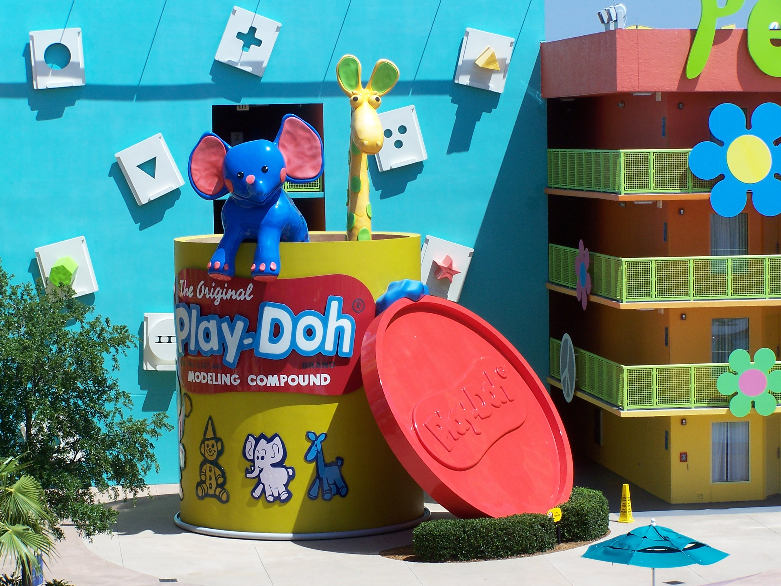 Disney pop century resort archives mouse family adventures mouse the preferred rooms pop century resort publicscrutiny Images